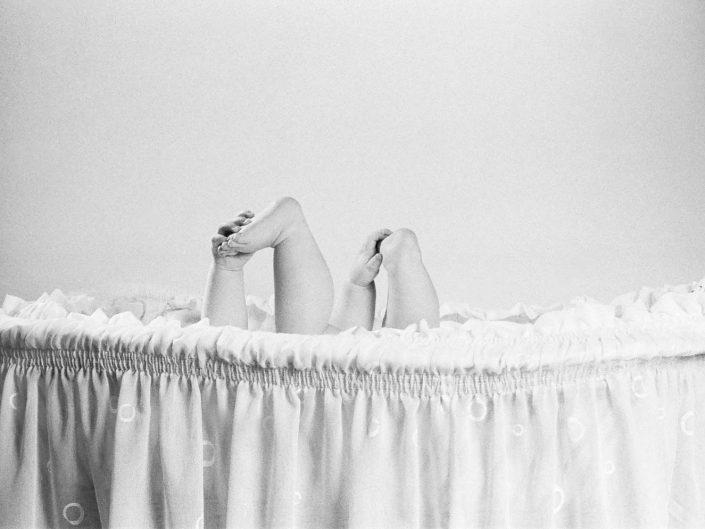 Neugeborenes im Studio fotografiert