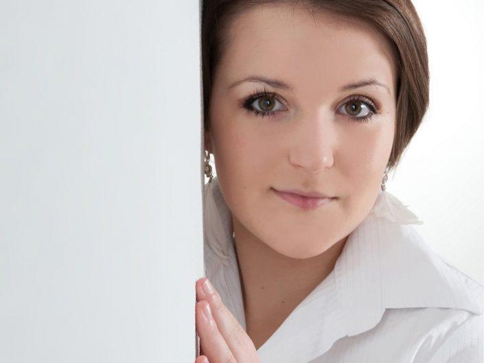 Beauty Portrait einer jungen Frau im Studio
