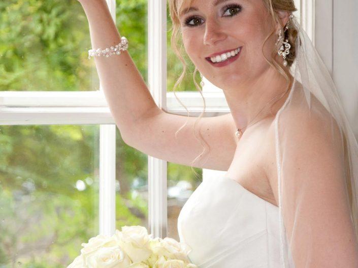 Hochzeitsfotos der Braut bei der Trauung