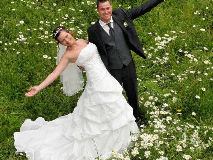 Hochzeitsfoto mit Braut und Bräutigam