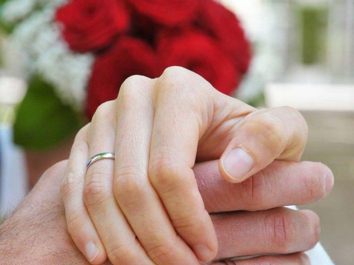 Hocchzeitsfoto Hände mit Ringen