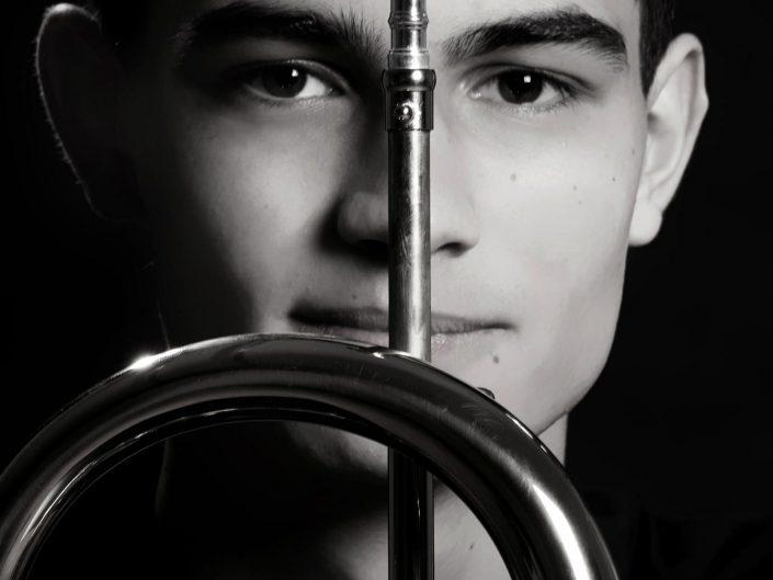 Portrait eines Mannes mit Musikinstrument